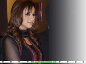 Madiha Naqvi images