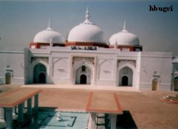 Suri mosque