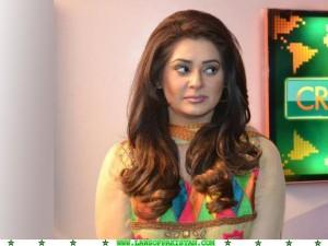 Iqra Shahzad hot dunya tv girl