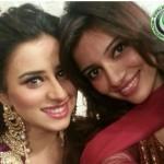 Madiha Naqvi selfie