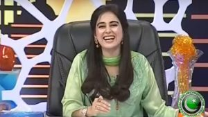 Ayesha Jahanzeb Wallpaper & Profile of Khabarnaak Host